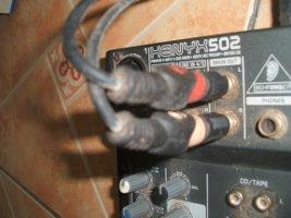 Behringer Xenyx 502 mixer output