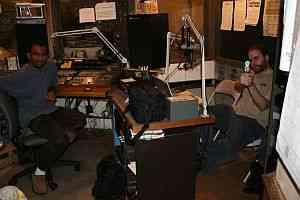 Radio station FM